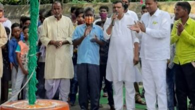 Photo of दक्षिणी कोझी में आयोजित स्वतंत्रता दिवस समारोह में मुखिया अजय यादव ने फहराया तिरंगा
